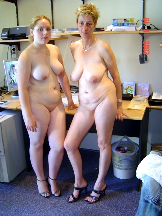 Natural young moms naked