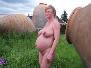 nude outdoor gallery Pregnant